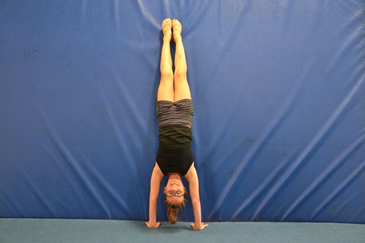 straight-leg-handstand